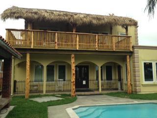Tropicali Cove - Luxury Vacation Villa Near Kemah - San Leon vacation rentals
