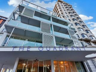 Sea View, beautiful hotel - Auckland vacation rentals