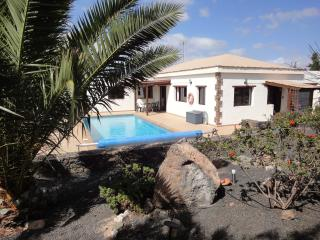 Luxury Villa in Lajares- Large heated pool Aircon - Lajares vacation rentals
