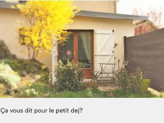Studio 20m2 proche Disneyland Paris - Coulommiers vacation rentals