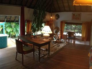 Bungalow polynesien SDB, toilette, cuisine prives - Maharepa vacation rentals