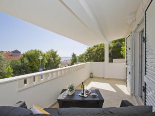 Apartment Zora Pod Lozu Hvar - Hvar vacation rentals