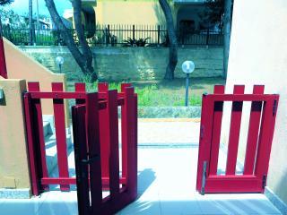 Nice 2 bedroom Marina di Novaglie Apartment with Television - Marina di Novaglie vacation rentals