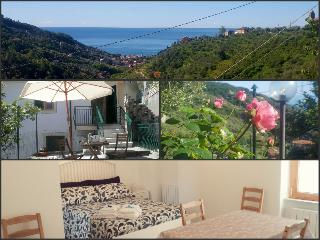 Romantic 1 bedroom Moneglia House with Satellite Or Cable TV - Moneglia vacation rentals