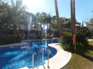 Luxury apartment Fuente Aloha - Puerto José Banús vacation rentals