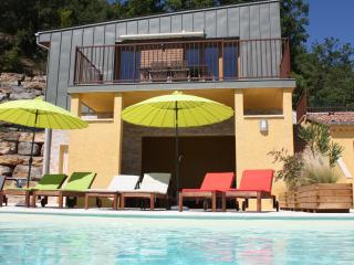 Maisons d'hôtes LE BOUZET - Gîte Mont Ventoux - Salavas vacation rentals