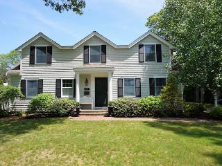 Nice House with Deck and Internet Access - Osterville vacation rentals