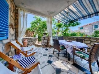 APARTMENT CARMEN 1 - Vis vacation rentals
