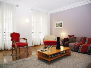 Apartment du Bac vacation holiday apartment rental france, paris, 7th arrondissement, saint germain des pres district, balcony, ground fl - Paris vacation rentals