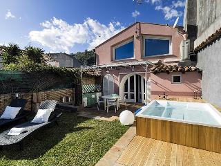 Casa Luce del Sole vacation holiday villa rental italy, sicily, acireale, seaside, beach, air conditioning, wi-fi, short term long term sic - Santa Tecla di Acireale vacation rentals