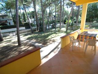 Cozy Villa in Lignano Pineta with Television, sleeps 5 - Lignano Pineta vacation rentals