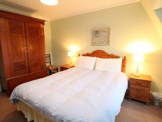 Comfortable 2 bedroom Vacation Rental in Kiloran - Kiloran vacation rentals