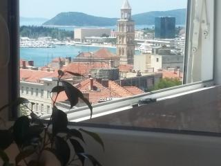 Cozy apartment with sea view - Split vacation rentals
