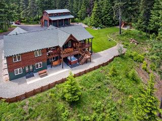 Aspen Lodge!  Newer Cabin on 5 Acres! 6BR / 3.5BA, Sleeps 16, Hot Tub! - Cle Elum vacation rentals