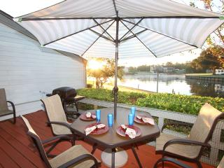 Fun Waterfront Condo - Pool, Golf, Fishing - Montgomery vacation rentals