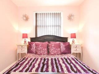 A.J.'s Bed and Breakfast Deluxe Double Room - Newport vacation rentals