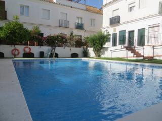 Casa 4 - Special Offers Town House with Pool WI-FI A/C & close to town center - Sanlucar de Barrameda vacation rentals