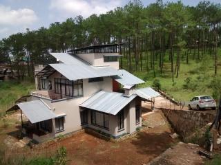 Sha Ri Loum. A homestay in Shillong - Shillong vacation rentals