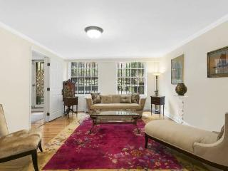 Elegant Townhouse Two Bedroom + Garden - Brooklyn vacation rentals