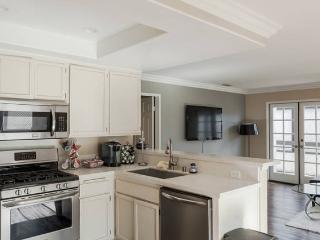 Cozy room in a luxury townhouse - Pasadena vacation rentals