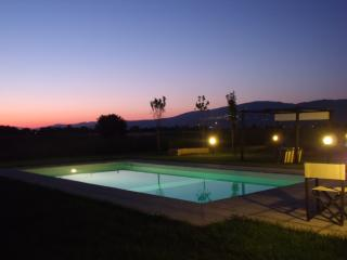 Splendido appartamento con wifi e piscina - Giada - Pietraia vacation rentals