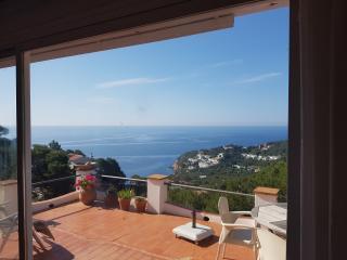 Holiday house with fantastic view - Tamariu vacation rentals
