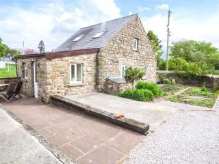 THE POUND detached stone-built cottage, WiFi, pet-friendly, well-equipped, close to amenities in Trellech, Monmouth Ref 938052 - Redbrook vacation rentals