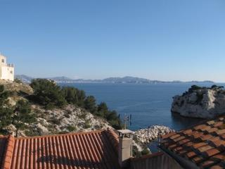 Le Grand Bleu, flat with view on mediterranean sea - Le Rove vacation rentals