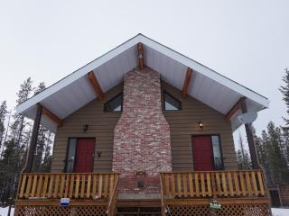 5 bedroom House with Internet Access in Valemount - Valemount vacation rentals