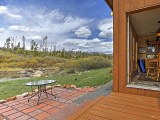 New Listing! Peaceful 2BR Grand Lake Condo w/Wifi, Gas Fireplace, Huge Private Deck & Panoramic Views - Easy Access to Lake Granby & Rocky Mountain Nat'l Park! Next to Clubhouse & Walking Distance to Stillwater Grill - Grand Lake vacation rentals
