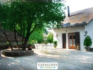 Villa Sallent for 5 people, only 35km from Barcelona and the beach - Castellar del Valles vacation rentals