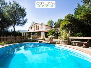 Five-bedroom villa in Vacarisses for 11 people just outside of Barcelona - Vacarisses vacation rentals