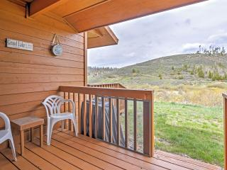 Gorgeous 4BR Grand Lake Condo w/Wifi, Gas Fireplace, Private Deck & Spectacular Mountain Views - Close to Various Outdoor Recreational Activities & Rocky Mountain Nat'l Park! - Grand Lake vacation rentals