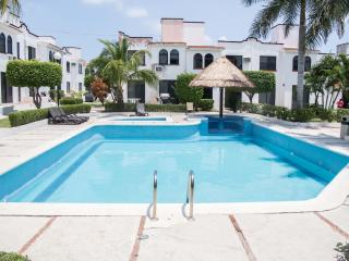 Beautiful 3 bedroom Cancun House with Internet Access - Cancun vacation rentals