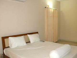 En-suit shared room comes with modern facilities - Dhaka City vacation rentals