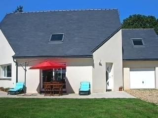 3 bedroom House with Internet Access in Guingamp - Guingamp vacation rentals