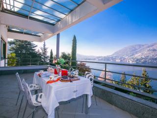 Bright 4 bedroom Villa in Blevio with Internet Access - Blevio vacation rentals