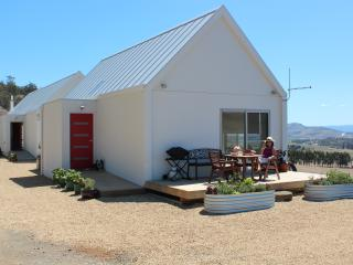 Eco brand new farm cottage near Hobart & airport - Hobart vacation rentals