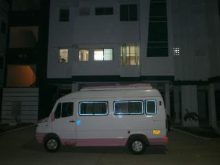 3 BED ROOMS FOR Rs 2800/day in melakottaiyur - Kelambakkam vacation rentals
