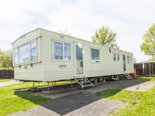 Clacton 15123 - Family fun with pools & golf - Clacton-on-Sea vacation rentals