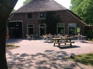 sfeervol en rietgedekte boerderij max 20 personen - Anderen vacation rentals