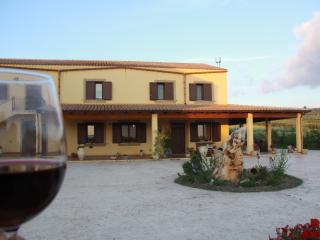 Cozy 3 bedroom Sambuca di Sicilia Villa with Internet Access - Sambuca di Sicilia vacation rentals