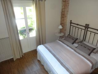 2 bedroom Bed and Breakfast with Balcony in Castagnole Monferrato - Castagnole Monferrato vacation rentals
