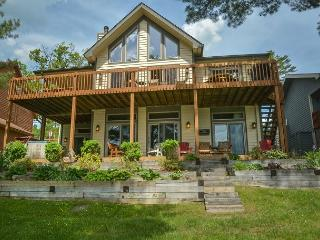 Exquisite Lakefront Home explodes with amenities! - McHenry vacation rentals