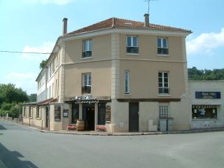 Studio close to station and Versailles - Jouy en Josas vacation rentals