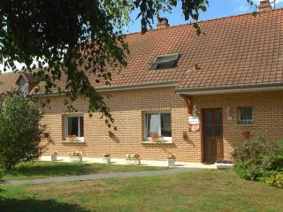 Nice Guest house with Internet Access and Television - Corbie vacation rentals