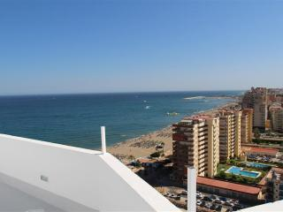 Beachfront Penthouse in Fuengirola for Short Term Rent - Fuengirola vacation rentals