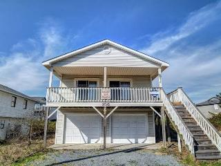 3 bedroom House with Porch in Surf City - Surf City vacation rentals