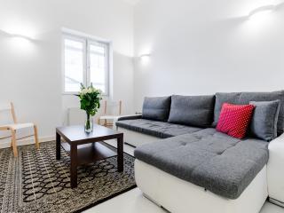 Boutique Westbourne Apartment - London vacation rentals