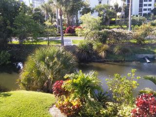 Beautiful Ocean Village condo near beach and golf onsite - Fort Pierce vacation rentals